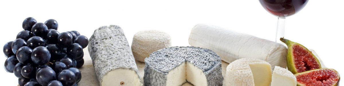 3963929-goat-cheeses-and-fruits
